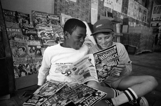 Dennis Huls Kids Reading Comics
