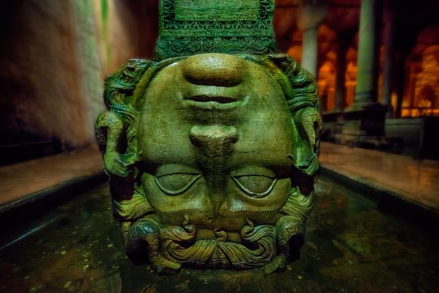Medusa - Bascilica Cistern, Istanbul (6th Century) 1