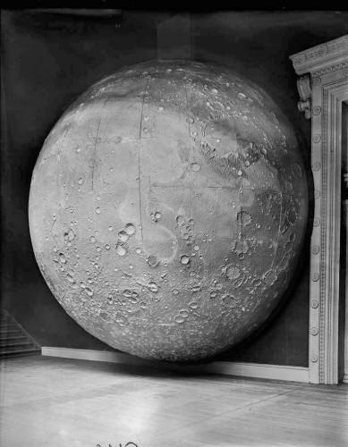 Johann Friedrich Julius Schmidt - Model Moon (1898)